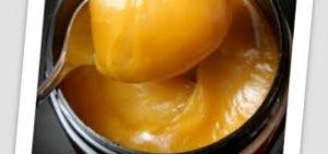 Le miel de Manuka est plus sombre et épaisse