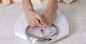 Obésité, état d'une personne en surcharge pondérale, dû à un accroissement excessif de sa masse graisseuse