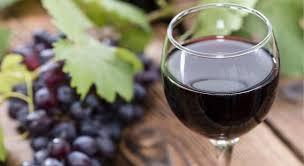 Meilleures sources : raisin rouge, vin, renouée du japon, arachide...