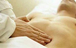 Péritonite, inflammation du péritoine, membrane tapissant l'intérieur de l'abdomen et l'extérieur des organes