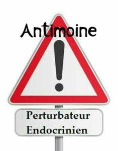 La dose journalière d'antimoine est limitée à 6 μg/kg/jour