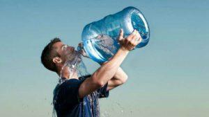 La polydipsie se traduit par une sensation insatiable de soif excessive