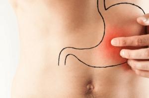 Symptômes en cas d'ulcère de l'estomac ou des autres organes internes : douleur, saignement, fatigue, ...