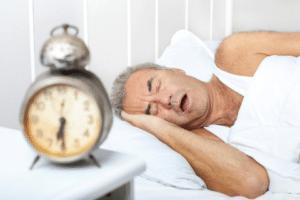 Le ronflement, ou ronchopathie, est le désagréable son émis pendant le sommeil